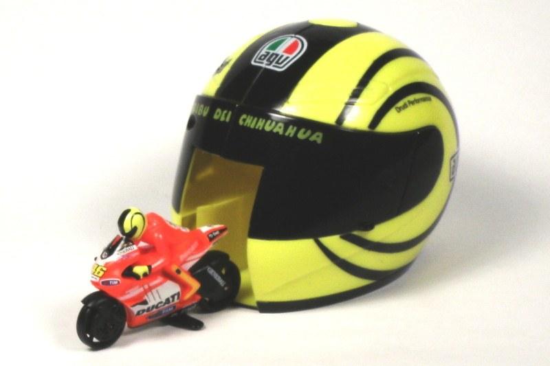 Model Ducati Corse + Vystřelovací helma
