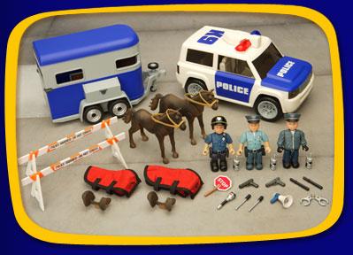 Mighty World - Policie přehlídkový den